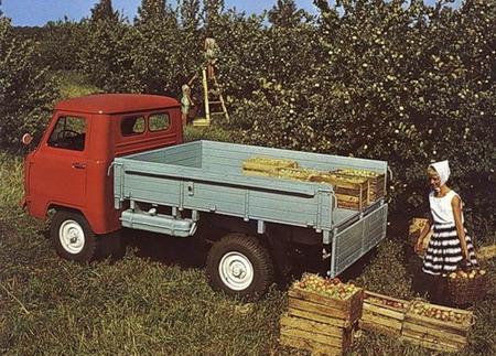УАЗ 452Д и яблоки
